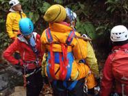 沢での救助訓練